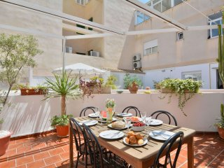 Townhouse beach apartment in Palma with WiFi, air conditioning, private terrace