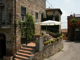4 bedroom Villa in Lucca, Tuscany, Italy : ref 5226904
