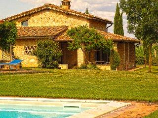 2 bedroom Villa in Monteriggioni, Tuscany, Italy : ref 5226699