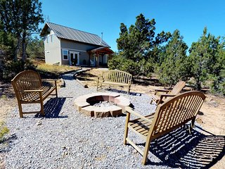 Secluded Cabin w/ Stunning Views!