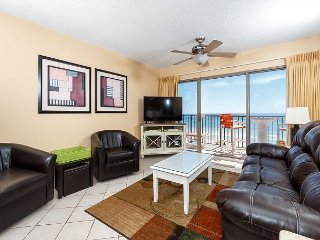 ETW 3002- Spacious beach condo- full kitchen, w/d, balcony, pool, BBQ