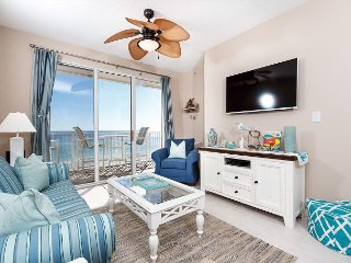 GD 608: beautiful 2 bedroom, BEACH FRONT - OUTSTANDING VIEWS!