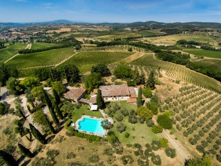 FABULOUS 8BR - 7.5BA VILLA W/ STUNNING POOL & VIEWS IN TOP TUSCANY LOCATION!