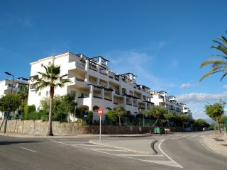 Superb 2 bed apartment near La Duquesa