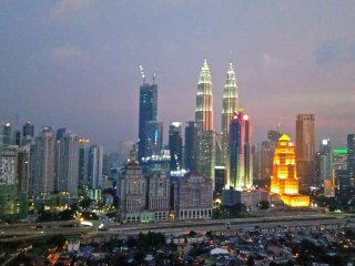 City Home with KLCC view at sky residence