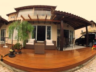 Beautiful Town House 4 bedrooms - 4 bathrooms in Gated Condominium in Buzios