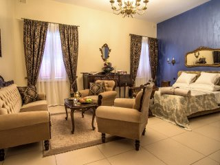 'Cottonera Lines' boutique holiday accommodation in Three Cities.Vittoriosa room