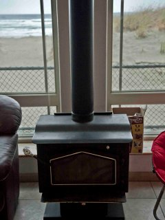 Wood-burning stove to warm you after chiily beach excursions.