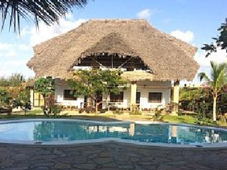 SIBIL NYUMBA OASIS Watamu Kenya. Brand new Bed and Breakfast with swimming pool