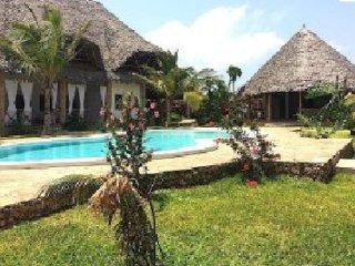 SIBIL NYUMBA OASIS Watamu Kenya. Brand new Bed and Breakfast with swimming pool