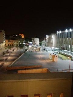 Panorama serale dal salotto con vista del teatro Massimo a pochi metri