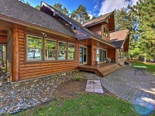 Expansive Log Cabin w/ Sauna on Whitefish Chain!