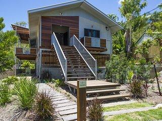 Deb's Shed - Arcadia, QLD