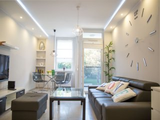 Pure Rental Apartments - City Centre Residence