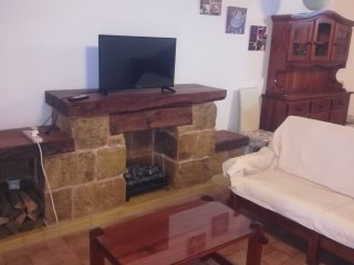 Beautiful wooden apartment shared by 3 bedrooms with Wifi and Pool