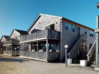 Charming Cape Cod condo in a great location - minutes to the beach!