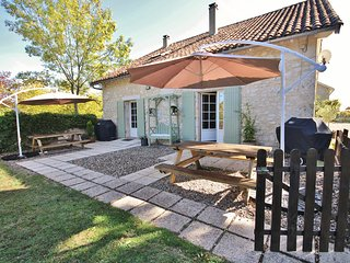 Saint-Julien-d'Eymet Villa Sleeps 4 with Pool - 5454509