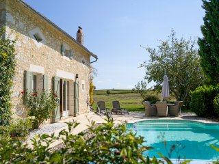 7 bedroom Villa in Saint-Julien-d'Eymet, Nouvelle-Aquitaine, France : ref 545451