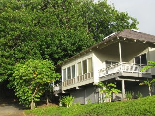 Bright, breezy finely furnished and finished villa in tropical garden setting