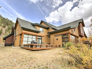 2BR Keystone Townhome w/Mtn Views & Floating Deck