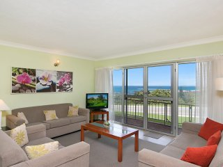 Northshore unit 3 - Overlooking Duranbah beach and the Tweed River