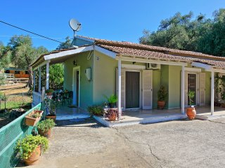 Ideal for four, air-conditioned, in an olive grove, close to Saint Spyridon