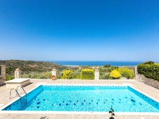 Belvedere Villas - Villa Vaggelio, Panoramic Views, Close to Beach & City