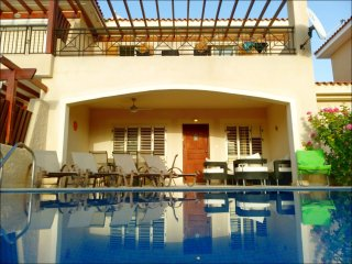 Villa MARTA 4 bed in Coral Bay