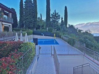 Belvedere Apartment with Garden