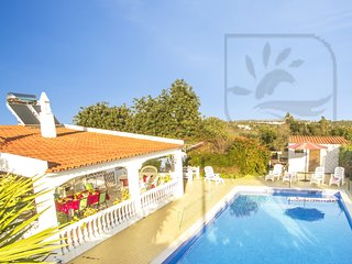 DELIGHTFULL DETACHED 4 BED VILLA, WITH PRIVATE POOL & WI-FI