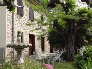 House with 5 bedrooms in Robiac-Rochessadoule, with enclosed garden