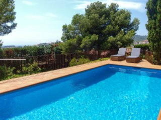 Villa Lu - Sea views, pool and relax