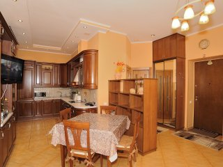 Two bedrooms. Lux. 21 Khreshchatyk St. Centre
