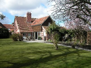 The Moat Cottage, Salisbury H108
