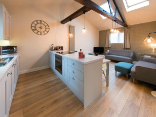 Cheltenham Mews (Sleeps 4)