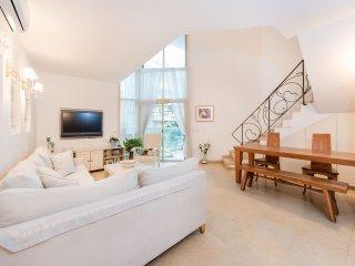 Gordon 3 Duplex with Sea View - Sea N' Rent