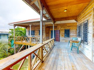 Elegant Caye Caulker home with spacious balcony & separate suites
