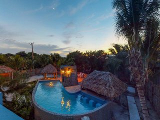 Affordable suite with shared pool, rooftop views & nearby beach access!