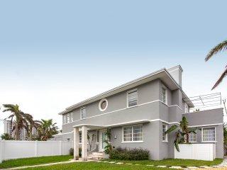 6BR Art Deco Villa  at Biscayne Bay_sleeps 16!