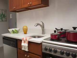 Charming and affordable  3 Bed 4 Bath midtown East