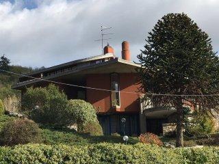 Villa GioNe , villa di ampia metratura immersa nel verde a pochi km dal centro