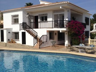 CASA GEMINI, San Jaime,sleeps 4 with private pool and gardens, secure parking