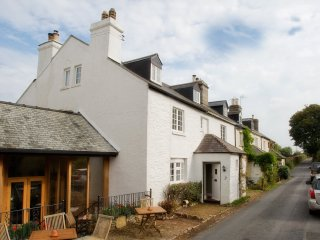Lovely Character Dartmoor Cottage Just Below the Famous Haytor Rocks