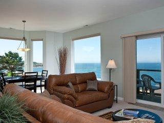 *Promo!* - Spectacular Ocean View Condos - HDTVs, WiFi & More!