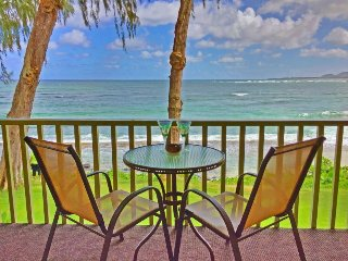 Oceanfront Kapa'a Studio w/Lanai - Steps to Beach!
