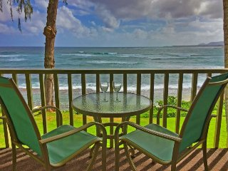 New! Kapa'a Sands Studio - Walk to the Beach!