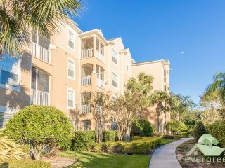 Live It up - Stylish 3 bedroom condo right next to the pool and clubhouse in