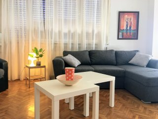 Sunny View, 1/BR apartment with terrace in pedestrian street