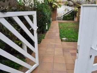 Entrada al jardín..