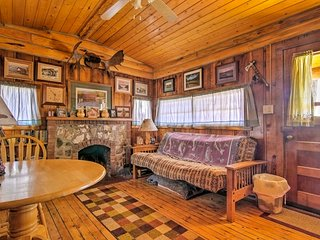 'Autumnsong Fireside' Cabin-Walk to DT Buena Vista
